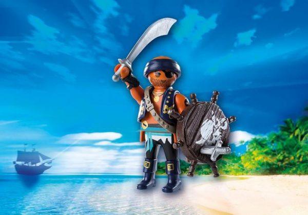 Pirate avec bouclier