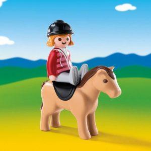 Cavalière avec cheval