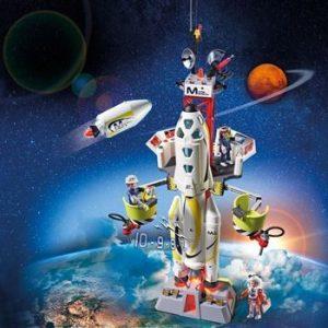 Fusée Mars avec plateforme de lancement